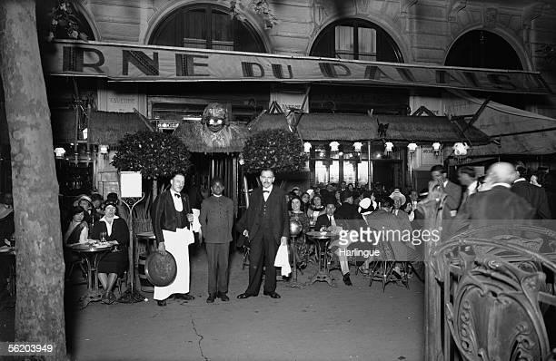 Paris Cafe La Taverne of Palais SaintMichel square