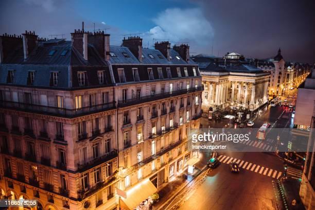 paris centre-ville la nuit - capitales internationales photos et images de collection
