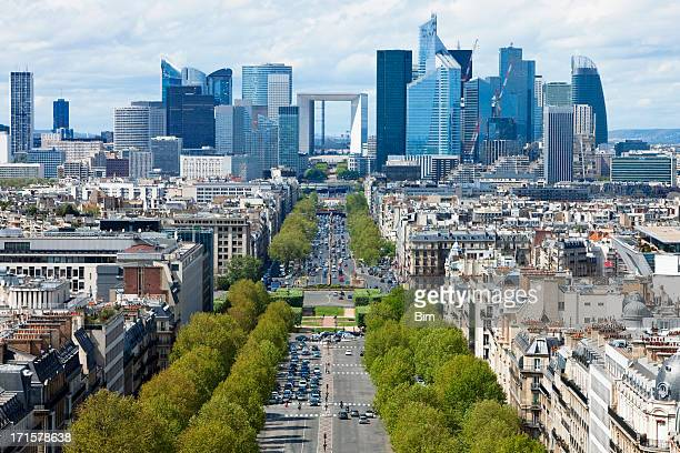 paris city view towards la defense financial district - champs elysees quarter stock pictures, royalty-free photos & images