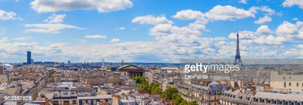 paris cityscape, amazing aerial view of the eiffel tower and surroundings downtown area - paris skyline stock pictures, royalty-free photos & images