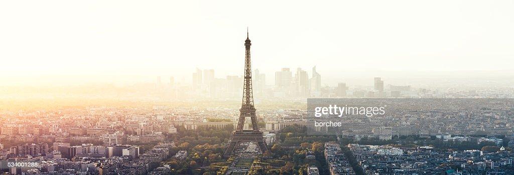 Stadt Panorama von Paris mit Eiffelturm : Stock-Foto