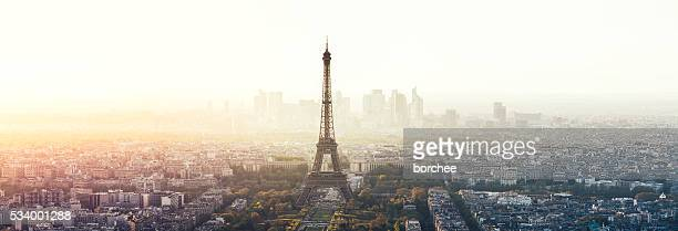 paris cityscape panorama with eiffel tower - paris stockfoto's en -beelden