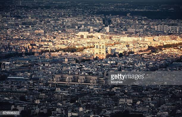 Paysage urbain de Paris avec la cathédrale Notre-Dame