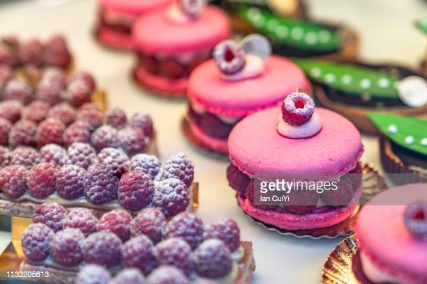 paris (france): close-up of macaroons and other desserts on table - cultura francesa - fotografias e filmes do acervo
