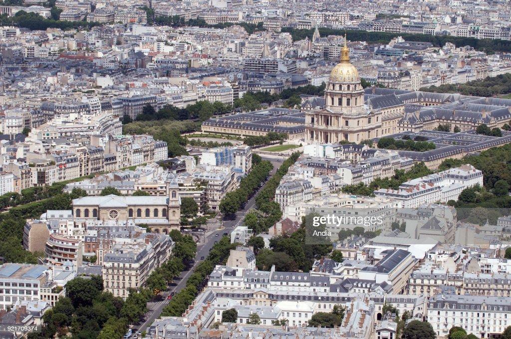 Complex of buildings 'Hotel des Invalides'. : News Photo
