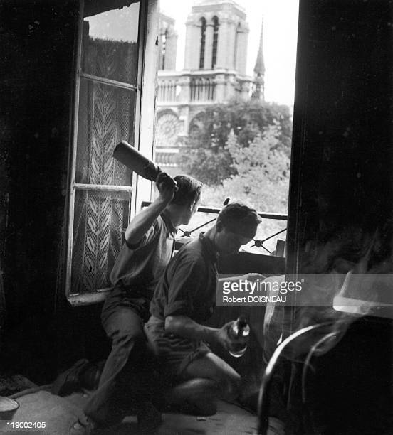 Paris During WWII 3945 The Resistance On August 1944