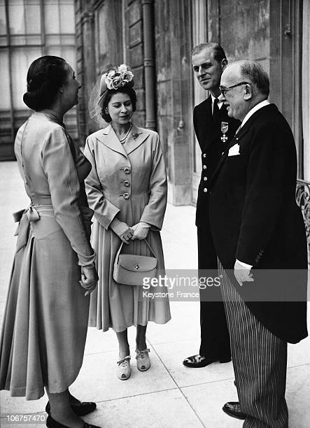 Paris Elysee Palace French President Vincent Auriol With Princess Elizabeth And The Duke Of Edinburgh In 1948