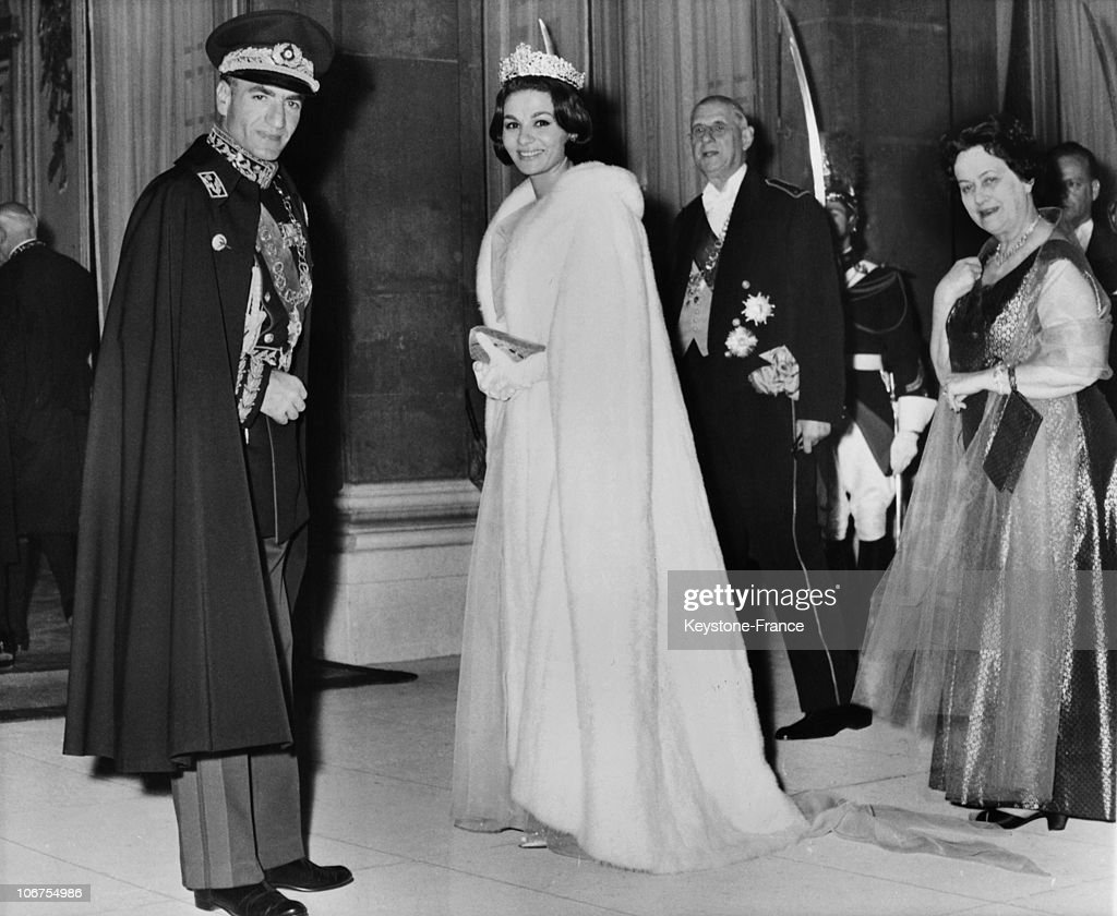 Paris, Elysee Palace, Reception Gala With The Iran Shah And His Wife Farah Diba In October 1961  : News Photo