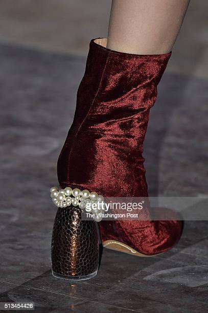 Paris Fashion Week Dries Van Noten Fall/Winter 2016 collection
