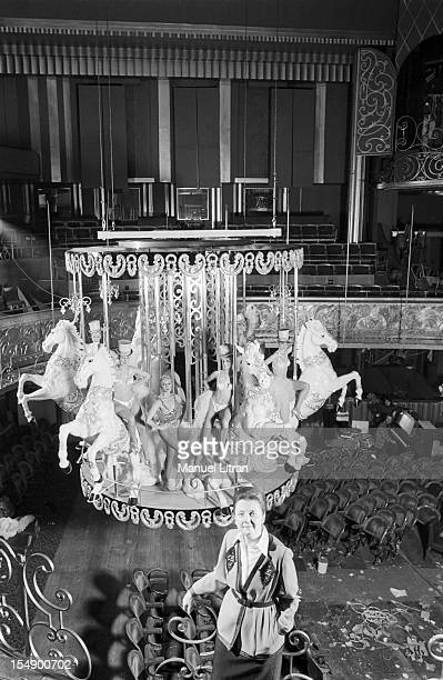 Paris February 17 the new magazine 'Folie i adore you' to the Folies Bergere The last preparations before the first the director of the institution...