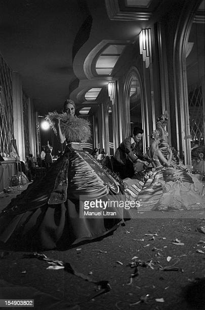 Paris February 17 the new magazine 'Folie i adore you' to the Folies Bergere Behind the scenes the last preparations before the firSt In the center...
