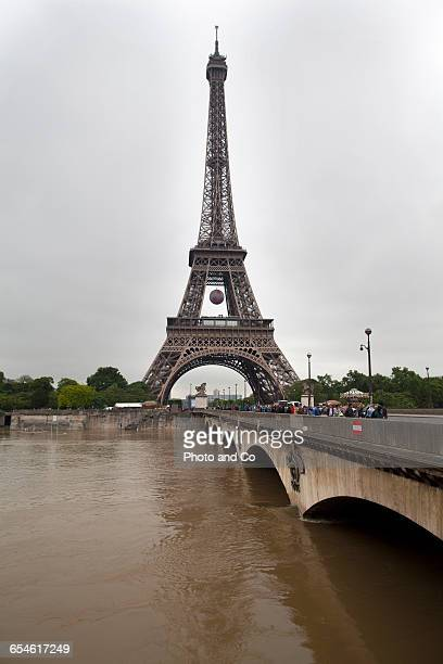 Paris flooded, Eiffel Tower, Pont D'Iéna