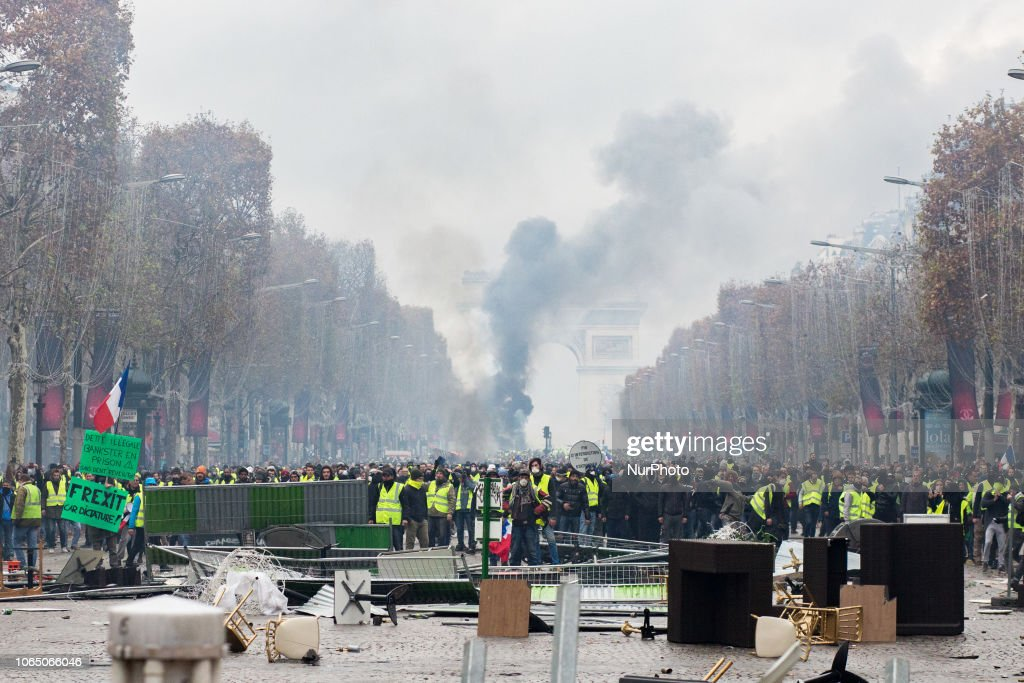 Yellow Vest Protests And Clashes On The Champs Elysees, Paris : News Photo