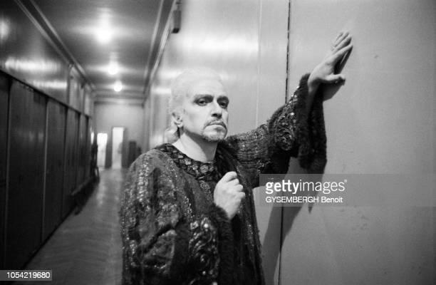 Paris, France, 24 octobre 1979 --- Rendez-vous avec le baryton-basse italien Ruggero RAIMONDI à l'Opéra de Paris, où il interprète le rôle de Jacopo...