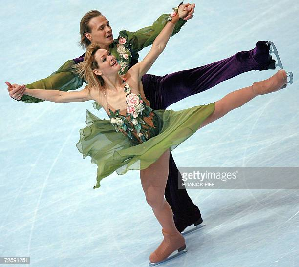 Bulgarian Albena Denkova and Maxim Staviski perform during their Ice Dancing Compulsory Dance program of the Trophee Bompard 17 November 2006 at the...