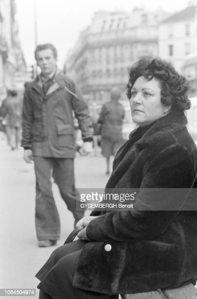 Paris France décembre 1978 Portrait de Wenda JOHNSON exmembre de la secte Le Temple du Peuple fondée par Jim Jones exfemme de l'un des tueurs de...
