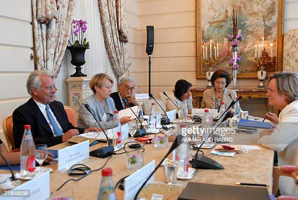 Egypt's First Lady, Suzanne Mubarak , acting as the President of the International Movement of the Women for Peace, chairs a one day work session in...