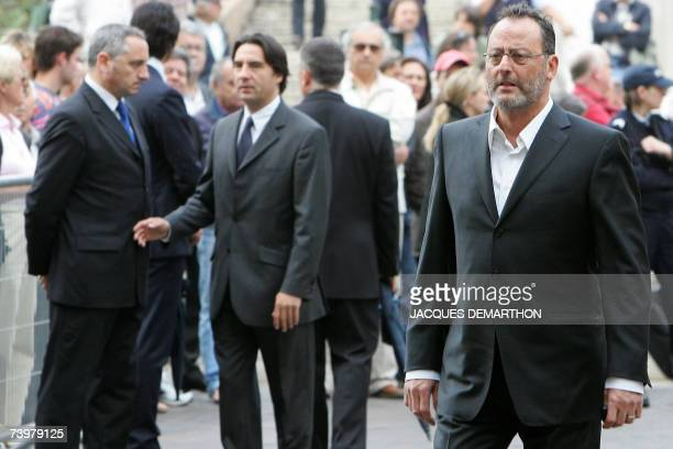 French actor Jean Reno arrives for a funeral mass for French actor JeanPierre Cassel at SaintEustache's church 26 April 2007 in Paris Cassel who shot...