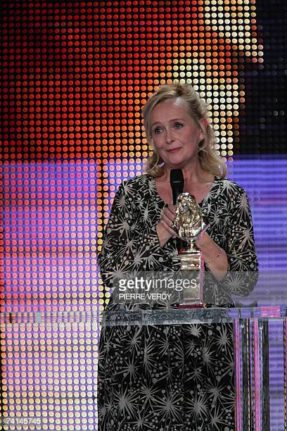 French actress Martine Chevallier speaks after receiving the best actress award 14 May 2007 on the stage of the Theatre de Paris during the 2007...