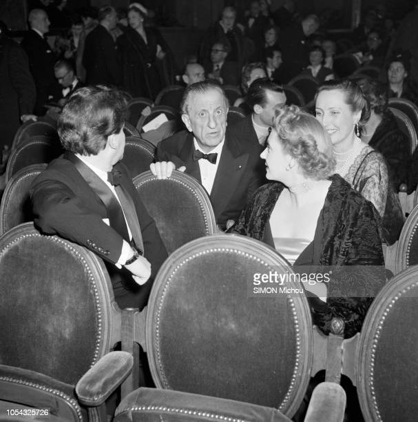 Paris France janvier 1951 La générale de la pièce 'La seconde' de Colette mise en scène par Jean Wall au théâtre de la Madeleine Dans la salle le...