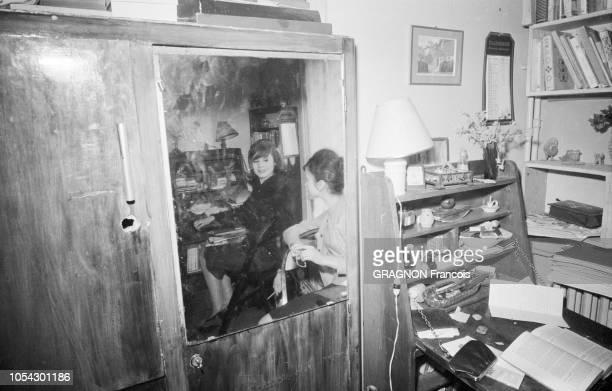 Paris, France - Mars 1960 - Françoise DORLEAC, 17 ans, incarne Gigi dans la pièce éponyme de Colette, dans une mise en scène de Robert MANUEL, avec...