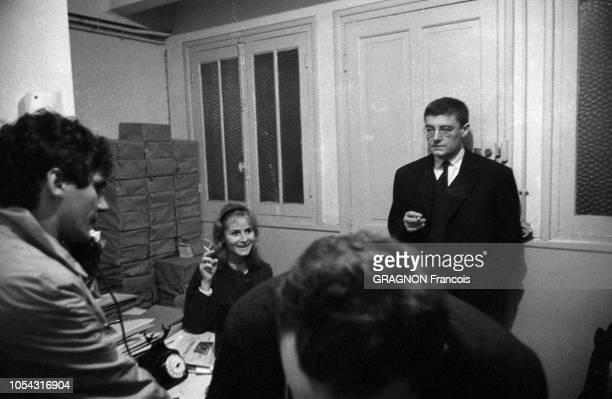 Paris France novembre 1961 Roger PLANCHON directeur du Théâtre de la Cité de Villeurbanne présente quatre pièces au Théâtre des ChampsElysées...