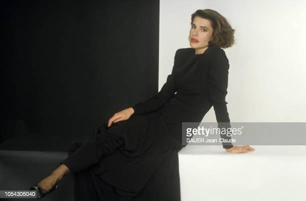 Paris France Novembre 1983 Rendezvous avec Fanny ARDANT Deux mois après la naissance de sa fille Joséphine elle reprend au théâtre Edouard VII le...