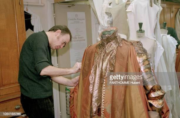 Paris France Novembre 1995 Phèdre de Racine mise en scène d'Anne Delbée costumes de Christian LACROIX à la ComédieFrançaise avec Catherine SAMIE...