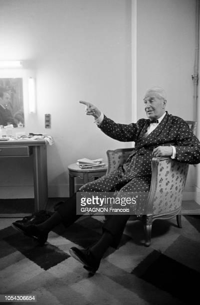 Paris France Novembre/Décembre 1966 Le tournage de l'émission C'est la vie de JeanChristophe AVERTY avec Maurice CHEVALIER La visite de Danny KAYE...
