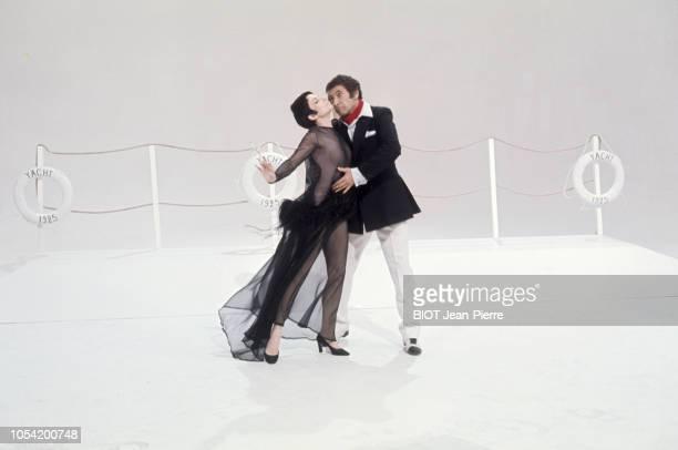 Paris France Octobre 1968 Tournage du show télévisé de Roland PETIT avec Zizi JEANMAIRE Marcel MARCEAU dit le mime Marceau dans son personnage de Bip...