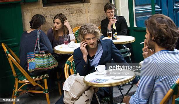 Paris, France  : Paris au café en plein air la vie