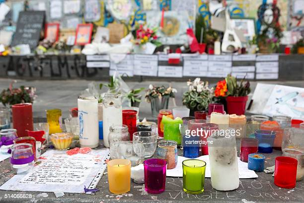 paris, france terrorism attack memorial (13 november 2015) place republique - memorial event stock pictures, royalty-free photos & images