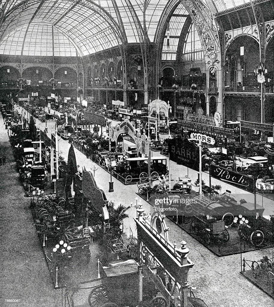 Paris, France. 1900. The Motor Show at the Grand Palais, Champs Elysees at the Grand Exhibition. : News Photo