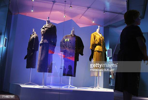 TO GO WITH THE STORY BALENCIAGA AU MUSEE DE LA MODE A picture taken 18 July 2006 at the Paris Textile and Fashion Museum shows outfits exhibited at a...