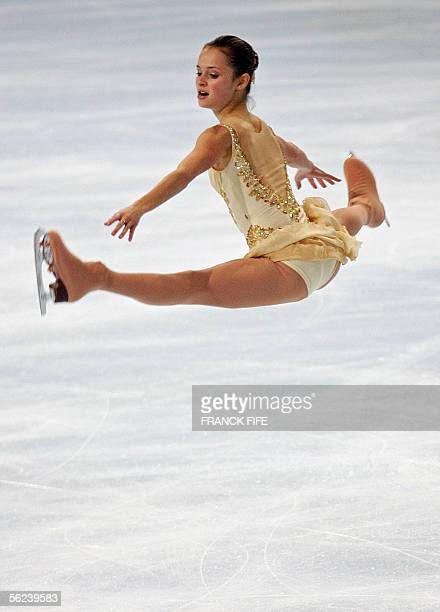 Us Sasha Cohen performs during Ladies Free Skating Dance program of the Trophee Bompard 19 November 2005 at the PalaisOmnisportsParisBercy in Paris...
