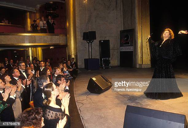 Paris France20/03/90Amalia Rodrigues the Queen of Fado performs at an AIDS benefit in Paris