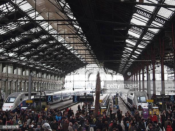 paris gare du lyon - gare du nord stock pictures, royalty-free photos & images