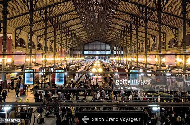 paris gare du nord at night - gare du nord stock pictures, royalty-free photos & images