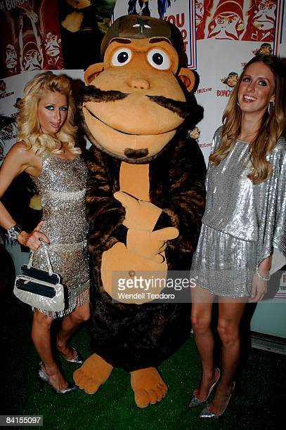 Paris Hilton and Nicky Hilton arrives for world's biggest on-line New Year's Eve party 'The Bongo Virus' at Trademark on December 31, 2008 in Sydney,...