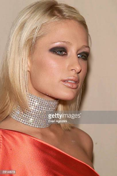Paris Hilton arriving at the 2001 VH1 Vogue Fashion Awards at Hammerstein Ballroom in New York City 10/19/01 Photo by Evan Agostini/ImageDirect