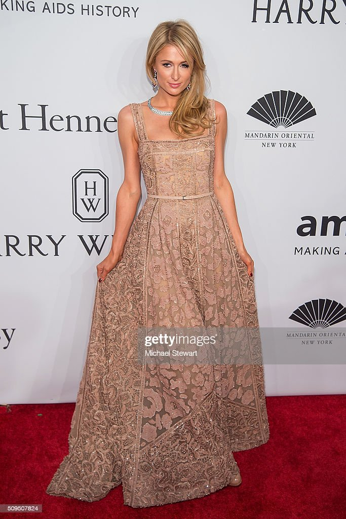 Paris Hilton attends the 2016 amfAR New York Gala at Cipriani Wall Street on February 10, 2016 in New York City.