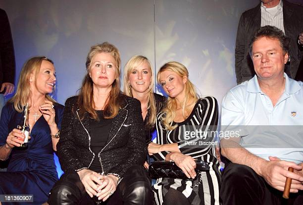 Paris Hilton Cousine Brooke Brison Ricky Hilton Ehefrau Kathy Elisabeth Aloys Party zum 26 Geburtstag von Paris Hilton Discothek Pascha im Hotel...