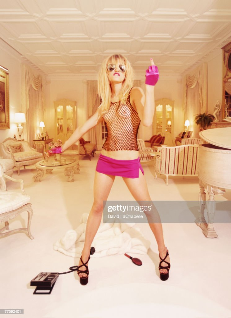 Paris Hilton & Nicky Hilton, Vanity Fair, September 1, 2000 : News Photo