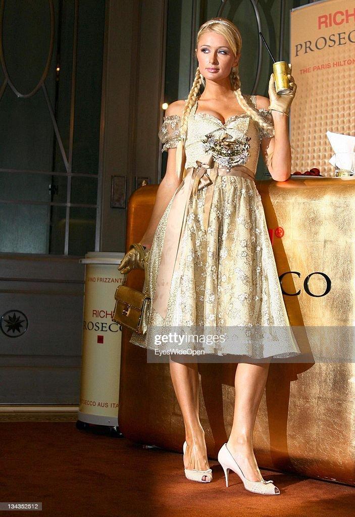 Paris Hilton Presents Rich Prosecco - Photocall : Nachrichtenfoto