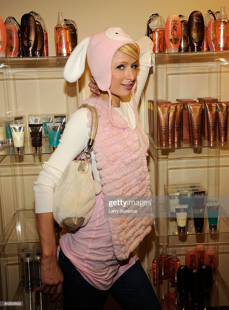 Paris Hilton visits the Hollywood Life House Suite on January 18, 2009 in Park City, Utah.