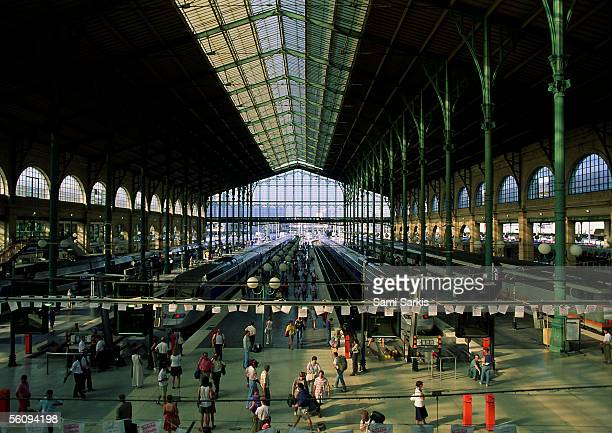 paris, interior of train station. - station stock pictures, royalty-free photos & images