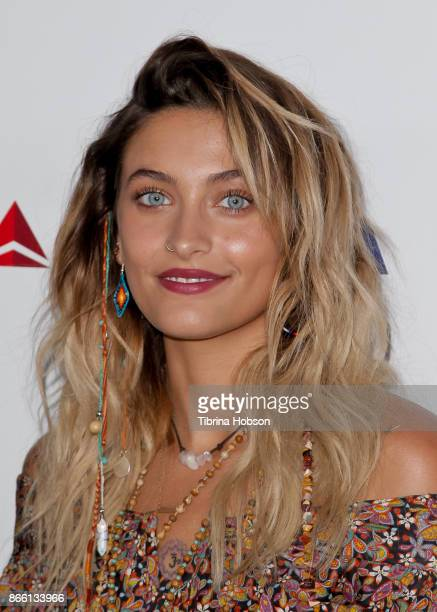 Paris Jackson attends the mothers2mothers and The Elizabeth Taylor AIDS Foundation Benefit Dinner on October 24 2017 in Beverly Hills California