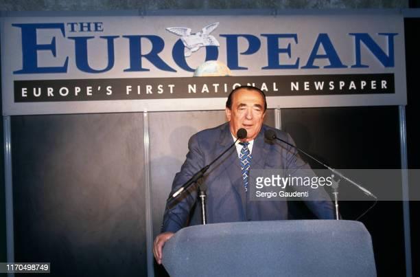Paris La Défense Robert Maxwell éditeur en chef de The European premier journal européen qui sort en France à partir du 11 mai 1990
