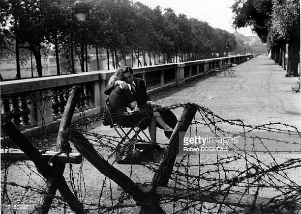 Paris Lovers During The Occupation