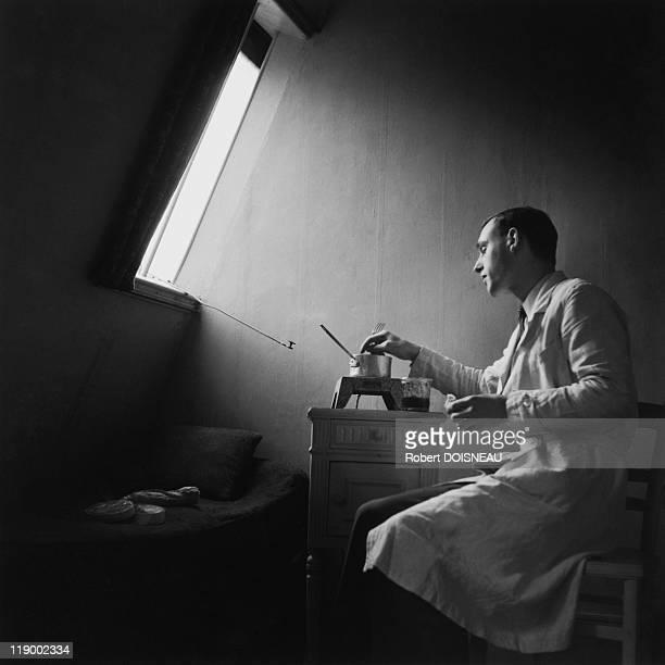 UNS: (FILE) Gamma-Rapho Photographer Profile: Robert Doisneau